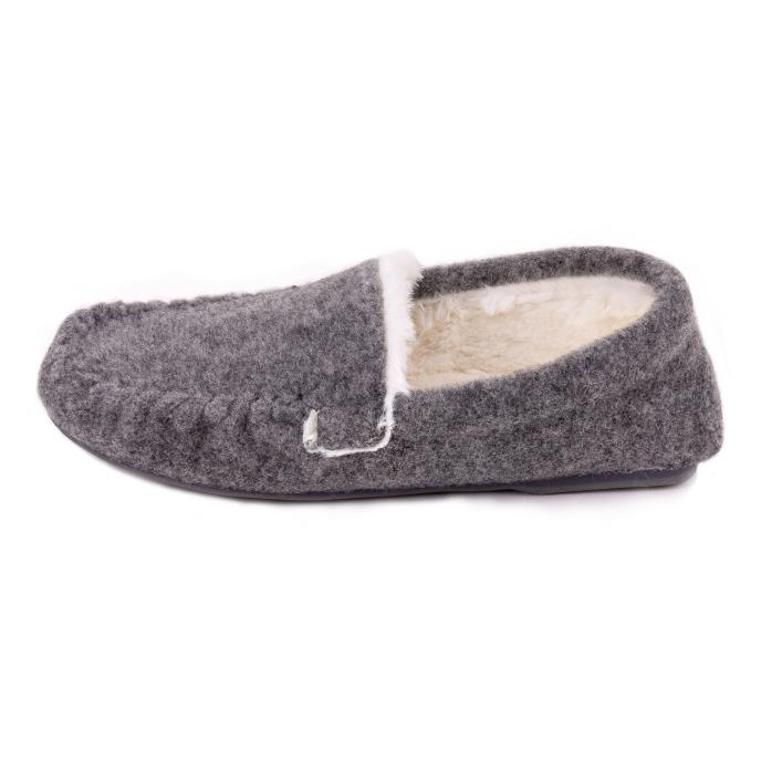 Isotoner Ladies Fur Lined Felt Moccasin Slipper Grey