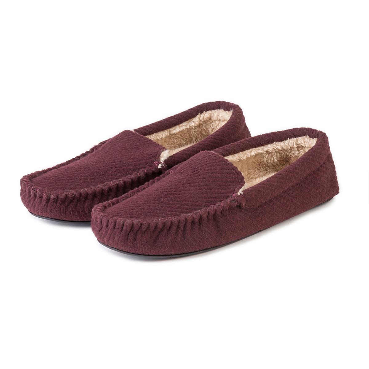 d02bd6cf353b totes Mens Textured Moccasin Slippers Burgundy