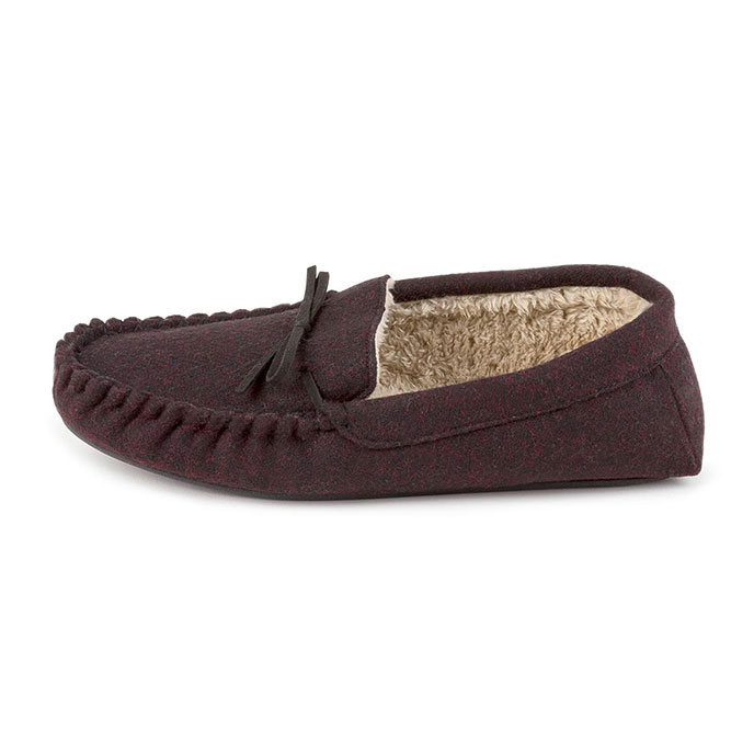 totes Mens Zig Zag Moccasin Slippers Wine