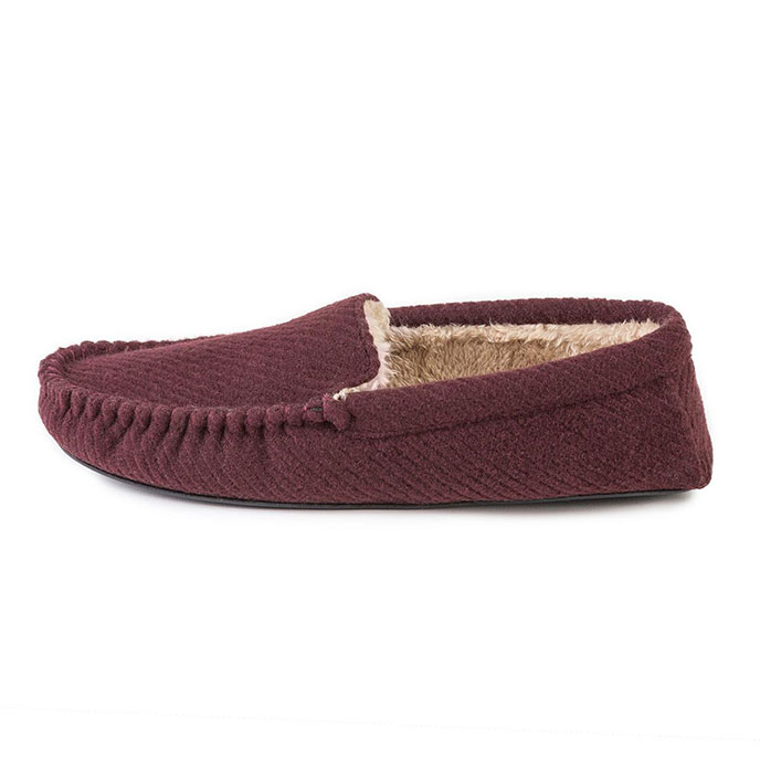 totes Mens Textured Moccasin Slippers Burgundy