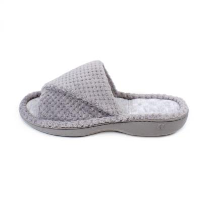 Isotoner Ladies Popcorn Turnover Open Toe Slippers Pale Grey