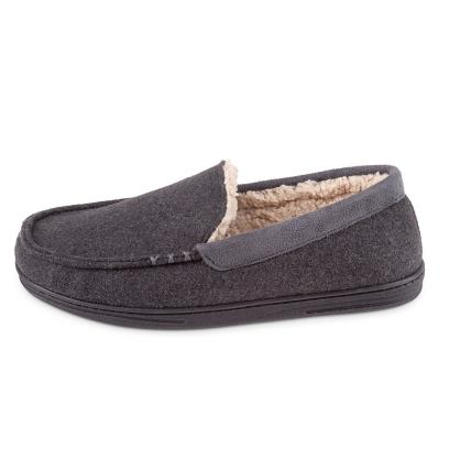 Isotoner Mens Felt Moccasin With Sherpa Slippers Grey