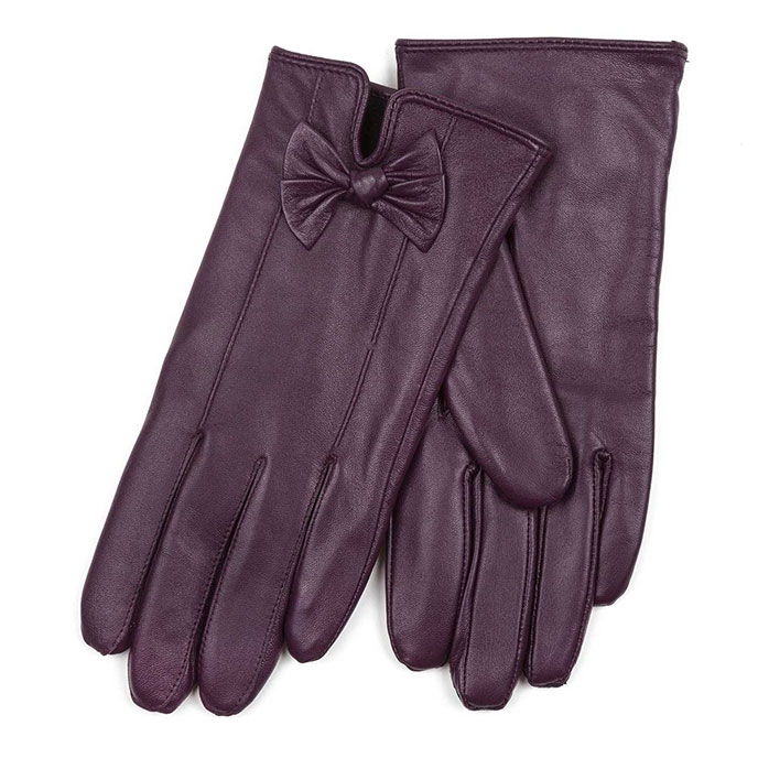 Isotoner Ladies Leather Gloves with Bow Purple