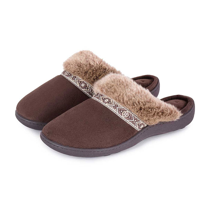 Isotoner Ladies Pillowstep Mule Slippers with Fur Cuff Chocolate