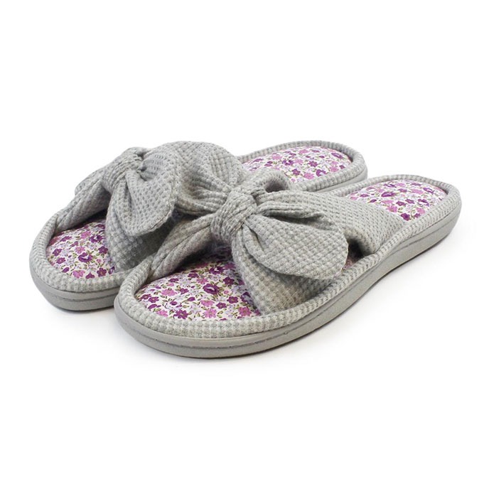 Isotoner Ladies Waffle Knot Front Open Toe Slipper Grey