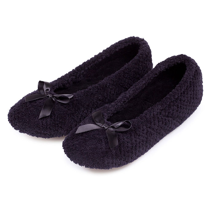 Isotoner Ladies Popcorn Ballet Slippers Black