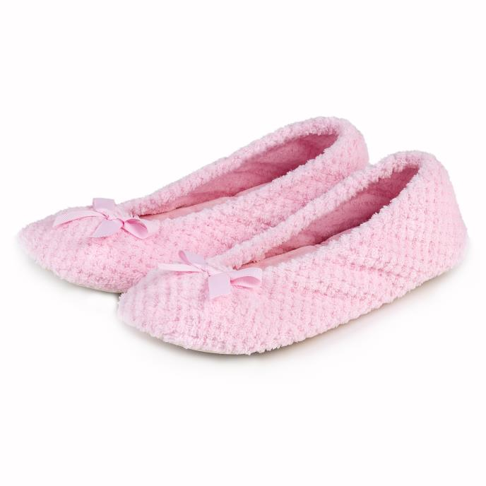 Isotoner Ladies Popcorn Ballet Slippers Pale Pink
