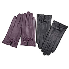 Isotoner Ladies Leather Glove with Bows