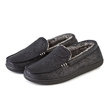 Isotoner Mens Distressed Moccasin Slippers with Contrast Fur